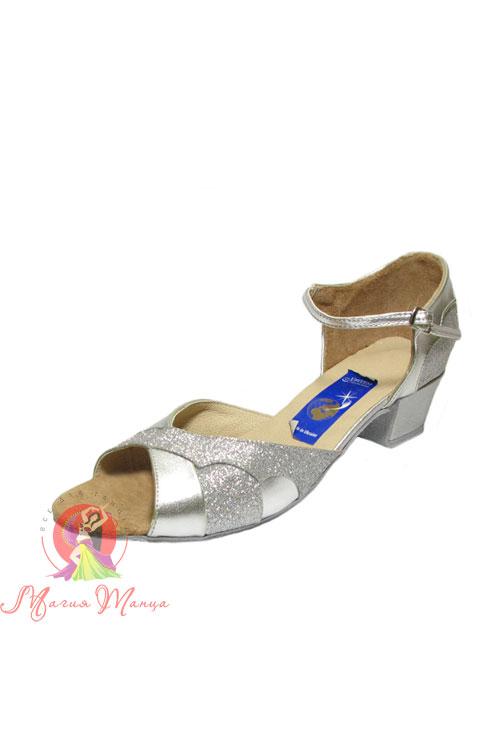 3efc5a2a70a449 Категорії :: Взуття для танців :: Туфлі :: Дитяче танцювальне взуття ::  Бальні (Стандарт) :: Для дівчаток :: Блок-підбори (4 см) :: Туфлі дитячі  Ірен срібло ...