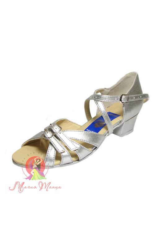 8d13b1db4f6ad5 Дитяче танцювальне взуття купити